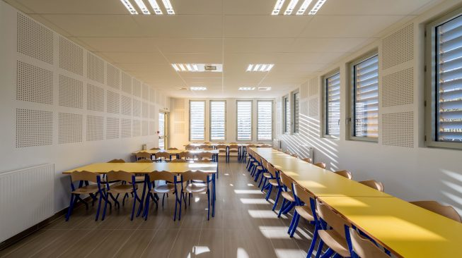 Reportage d'une réalisation de l'Atelier d'Architecture BRICET : Restaurant scolaire à l'école du Blamont.