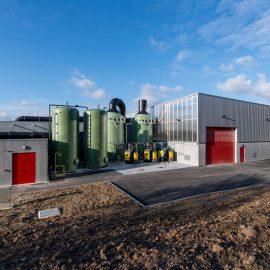 """Reportage """"architecture"""" d'une usine de compostage des boues, pour l'Atelier d'Architecture BRICET."""